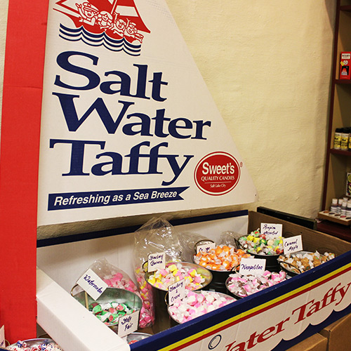 Salt-Water-Taffy-Candy-Store-Roscoe-Village-Sweets-Treats-Ohio