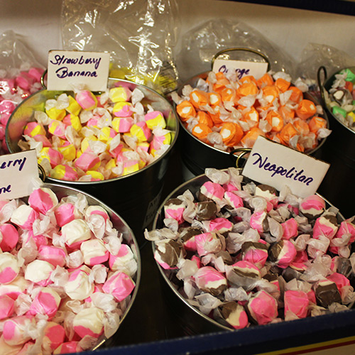 Taffy-Candy-Store-Roscoe-Village-Sweets-Treats-Ohio